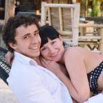 Марат и Кристина в гамаке