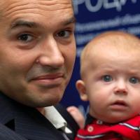 Антон Носик с детем